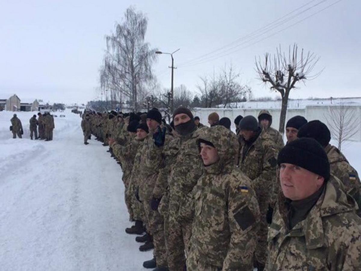 Украина анонсировала масштабную мобилизацию резервистов для наступления на ДНР и ЛНР
