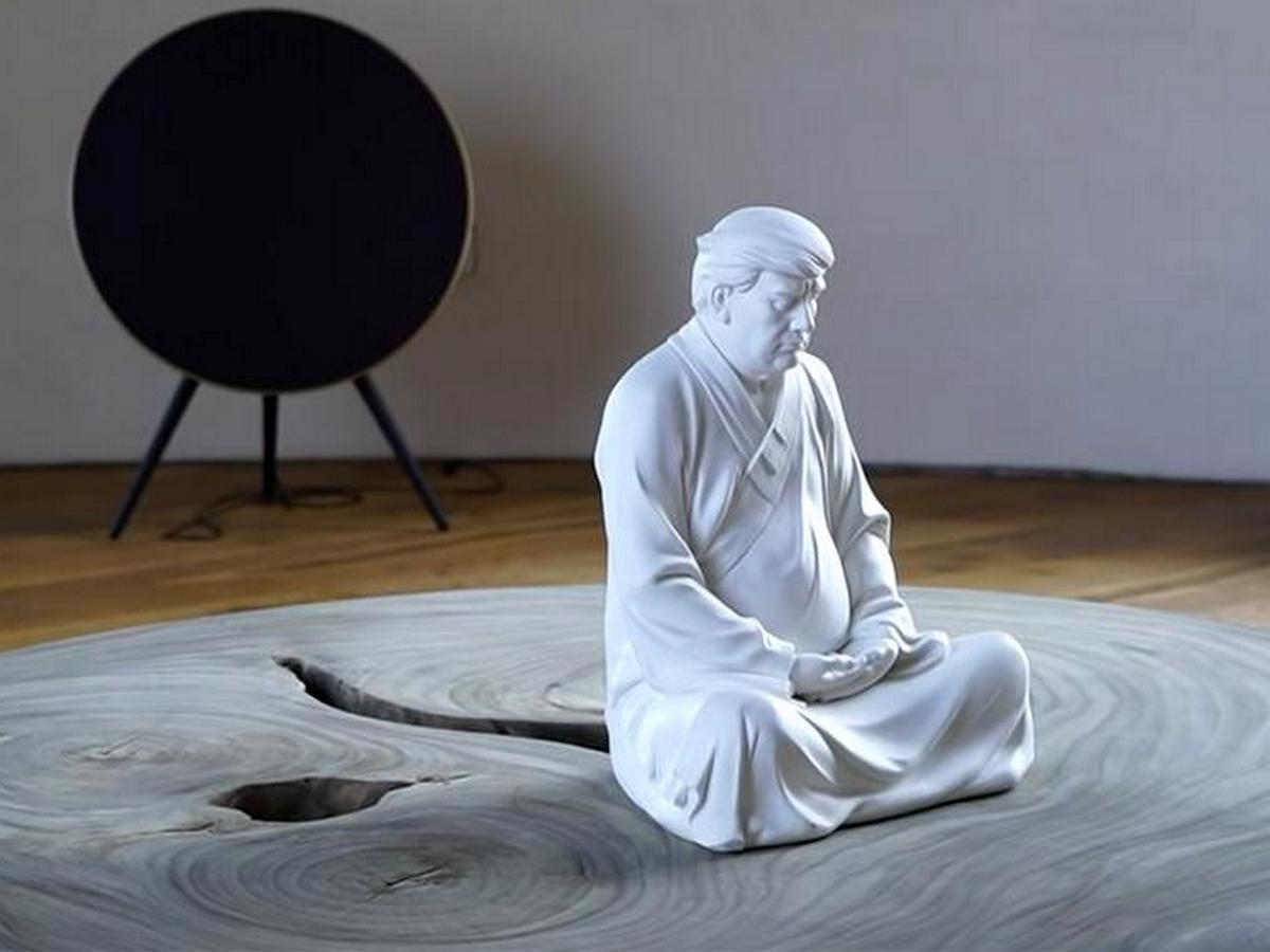 Китайский художник изобразил Трампа в образе Будды