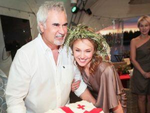 Альбина Джанабаева родила третьего ребенка от Валерия Меладзе