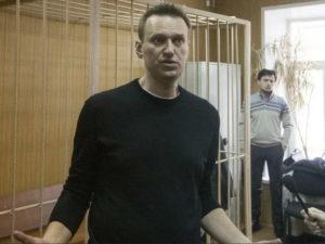 Навальный пригрозил ФСИН новым иском из-за вырезанной статьи из номера «Новой газеты»