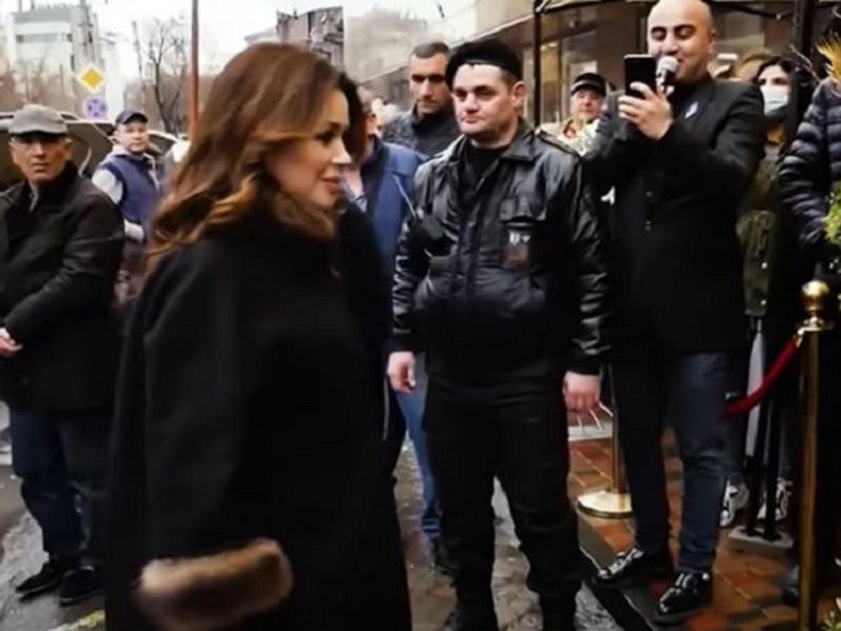 В Сети появились эксклюзивные кадры последнего появления Заворотнюк на публике
