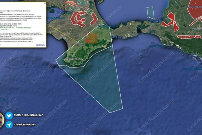 Российские военные перекрыли все подходы к Крыму