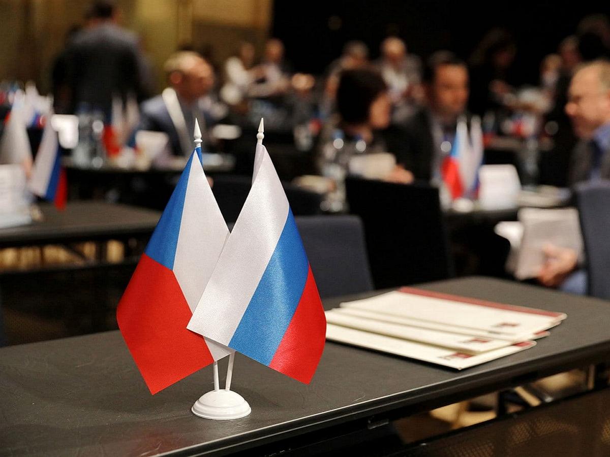 """""""Поступила очень серьезная информация"""": названы неожиданные последствия по делу о высылке 18 дипломатов РФ из Чехии"""