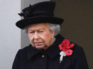 Скорбящая по мужу Елизавета II одним фото отпраздновала свое 95-летие