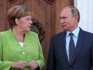 Меркель потребовала от Путина прекратить перемещать войска внутри РФ: СМИ нашли один из полигонов под Воронежем
