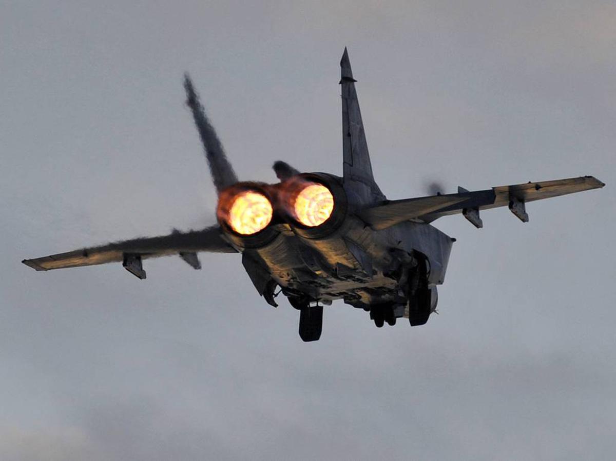 СМИ: российский МиГ-31 обратил в бегство два истребителя НАТО