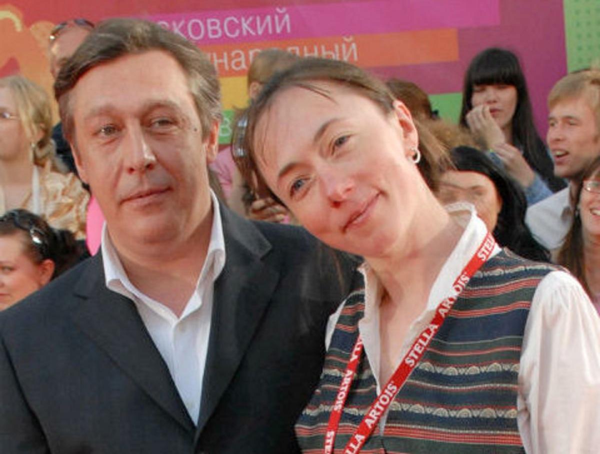 Михаил Ефремов встретился с женой в колонии в Белгородской области