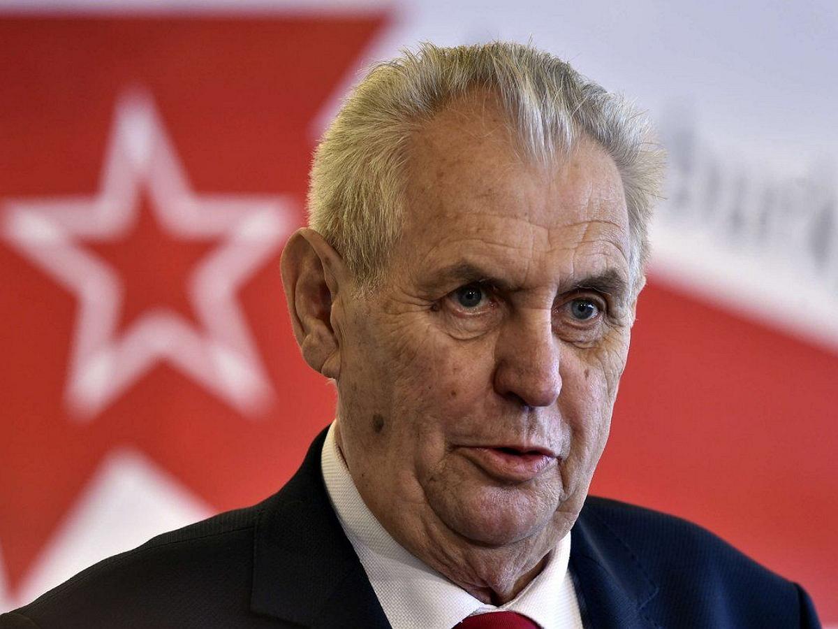 """Президента Чехии обвинили в измене Родине после его заявления о """"российских агентах"""""""