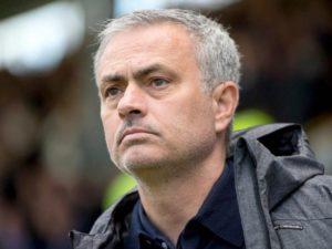 «Тоттенхэм» подтвердил увольнение Жозе Моуринью с поста тренера