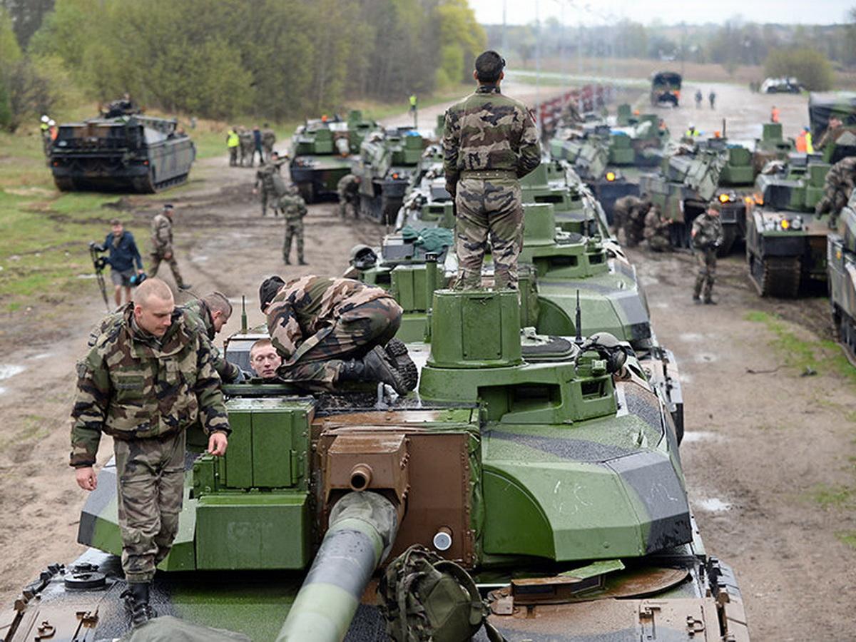 НАТО у российских границ