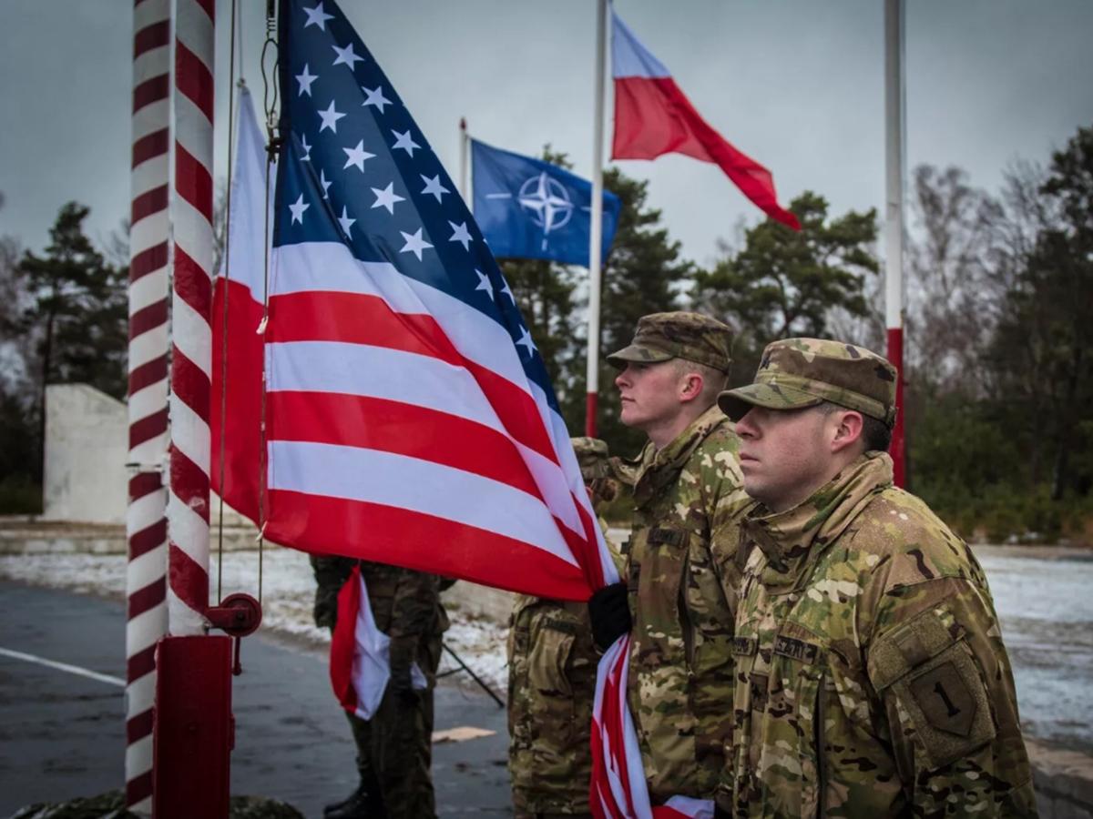 Пять стран НАТО обсудили военную активность РФ у границ с Украиной