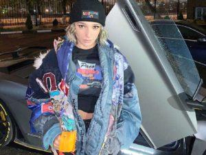 Настя Ивлеева, гоняя на дорогом Lamborghini по Москве, нарушила ПДД более 200 раз