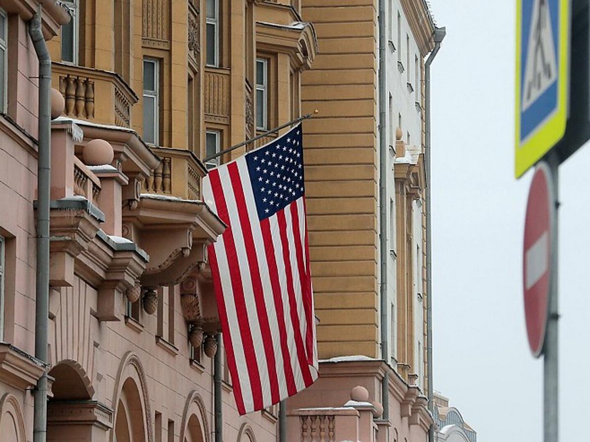 Посольство США в РФ прекращает выдачу виз россиянам