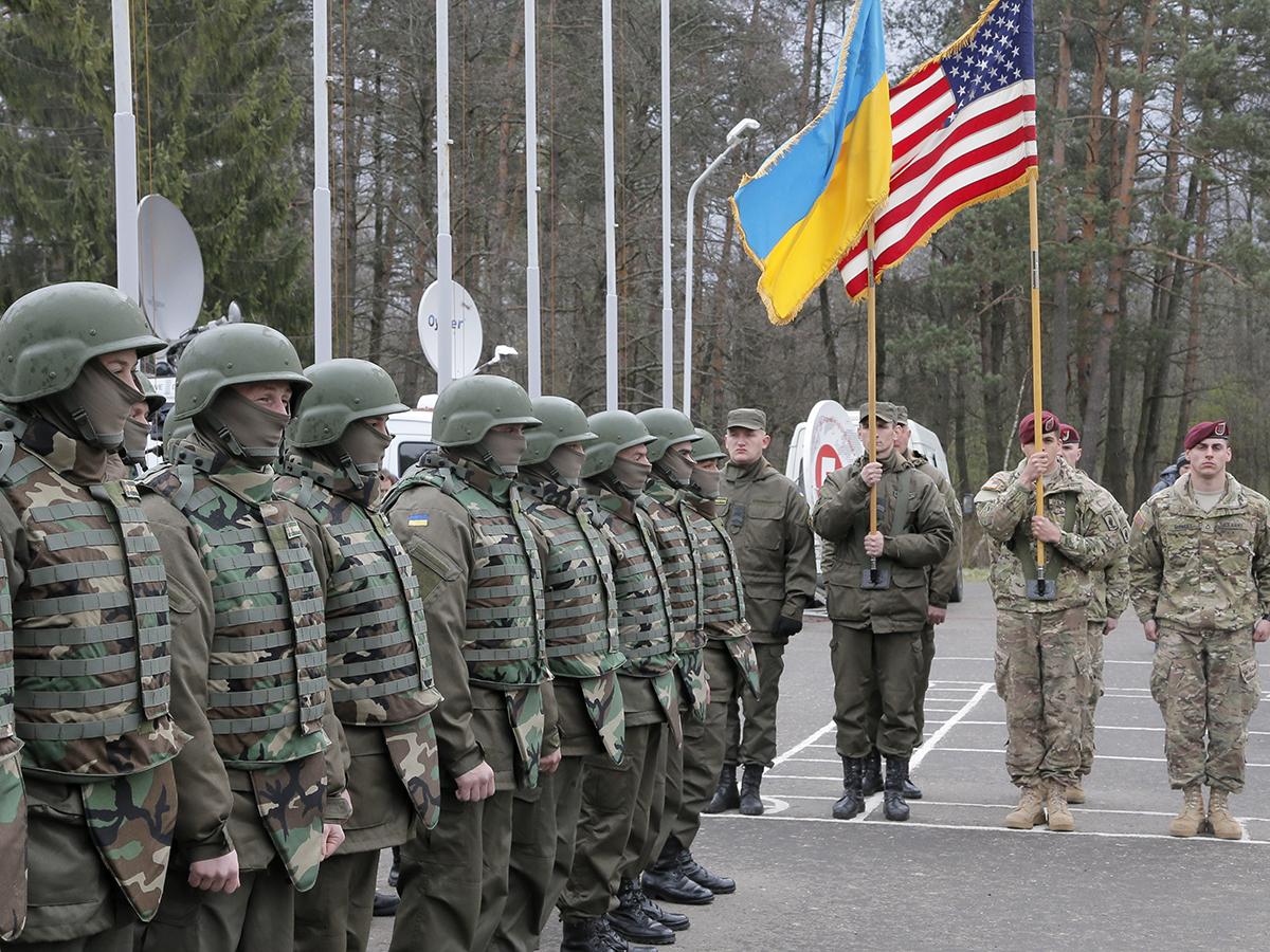 Армии США и Украины