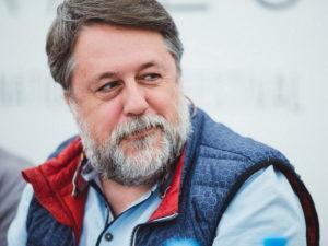 Активисты SERB напали на режиссера Манского на фестивале «Артдокфесте»