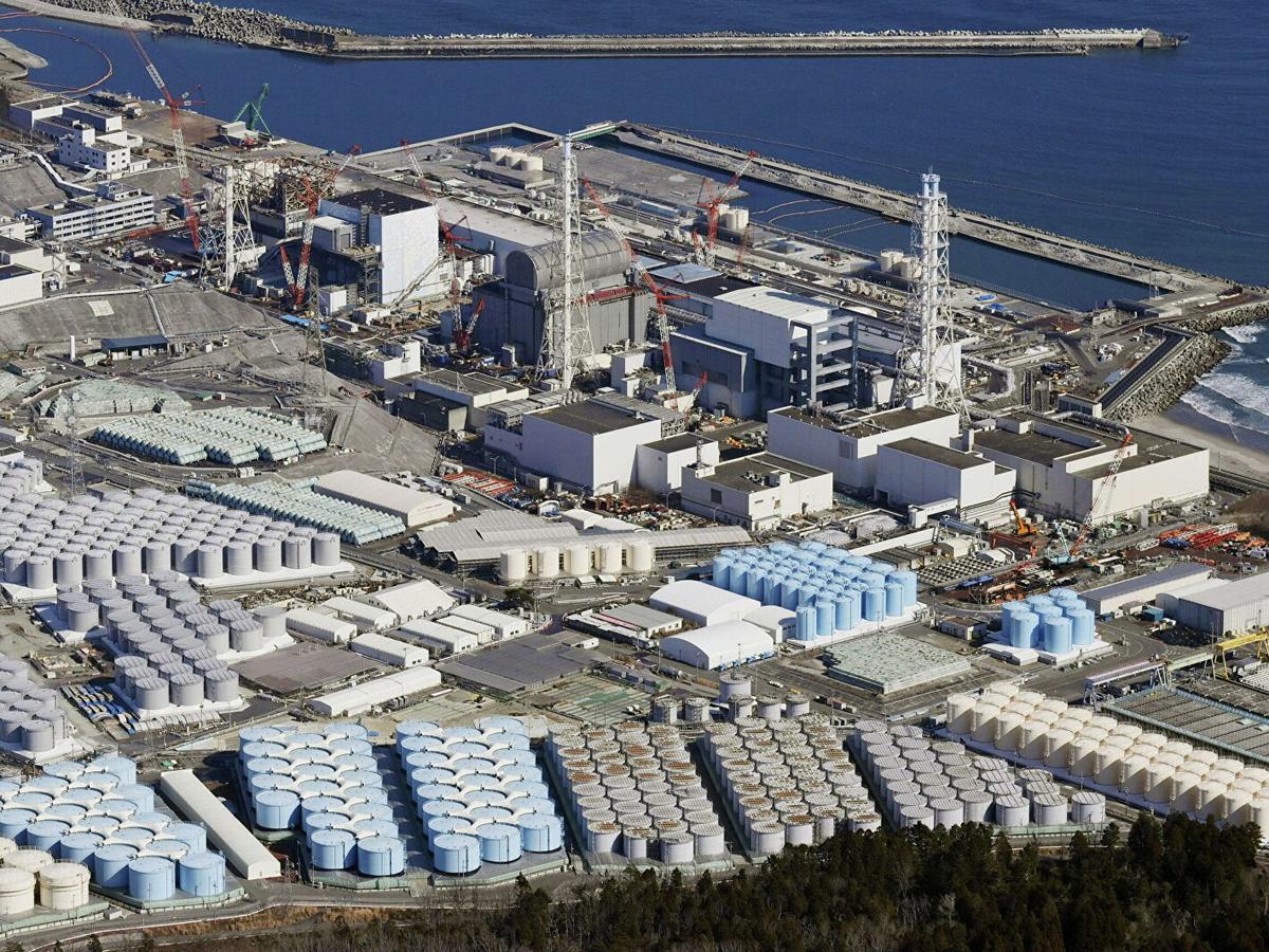 Япония в океан 1 млн тонн воды с