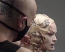 Мастер из Барселоны овладел искусством печати на волосах