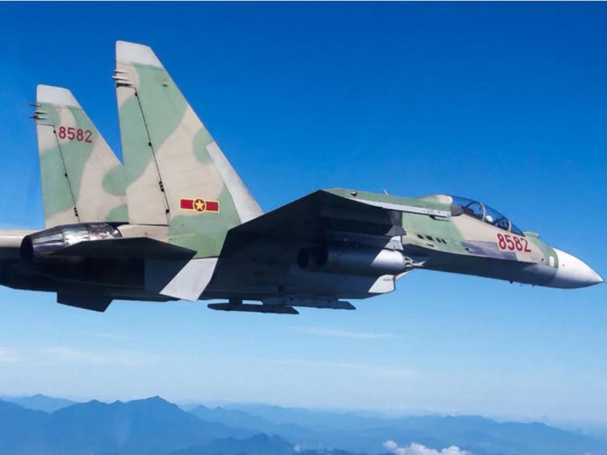 Истребитель Су-30 против F-16