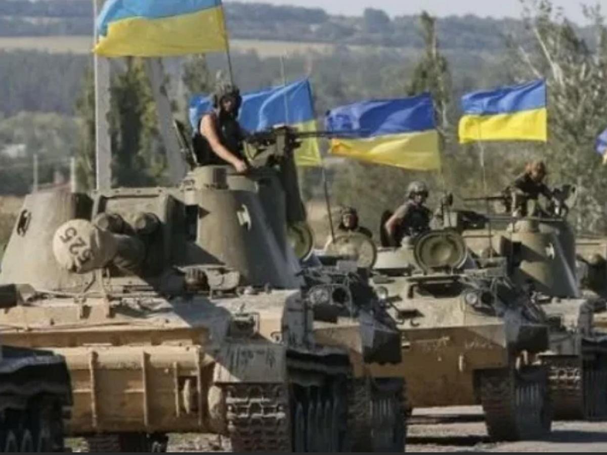 СМИ: боевая техника ВСУ, включая танки и артиллерию, вошла на территорию подконтрольную ДНР