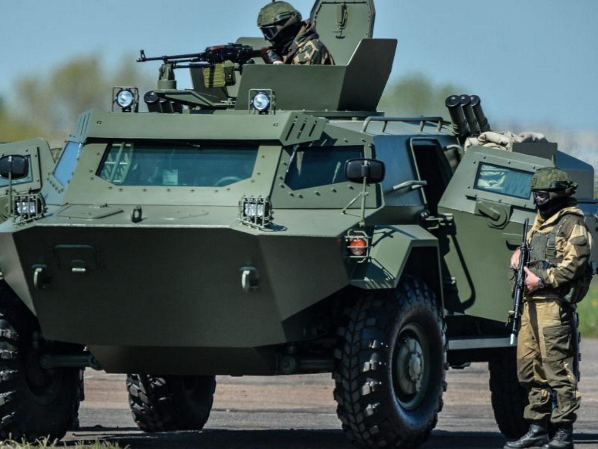 Sohu: Белоруссия начала стягивать военную технику к границе с Украиной