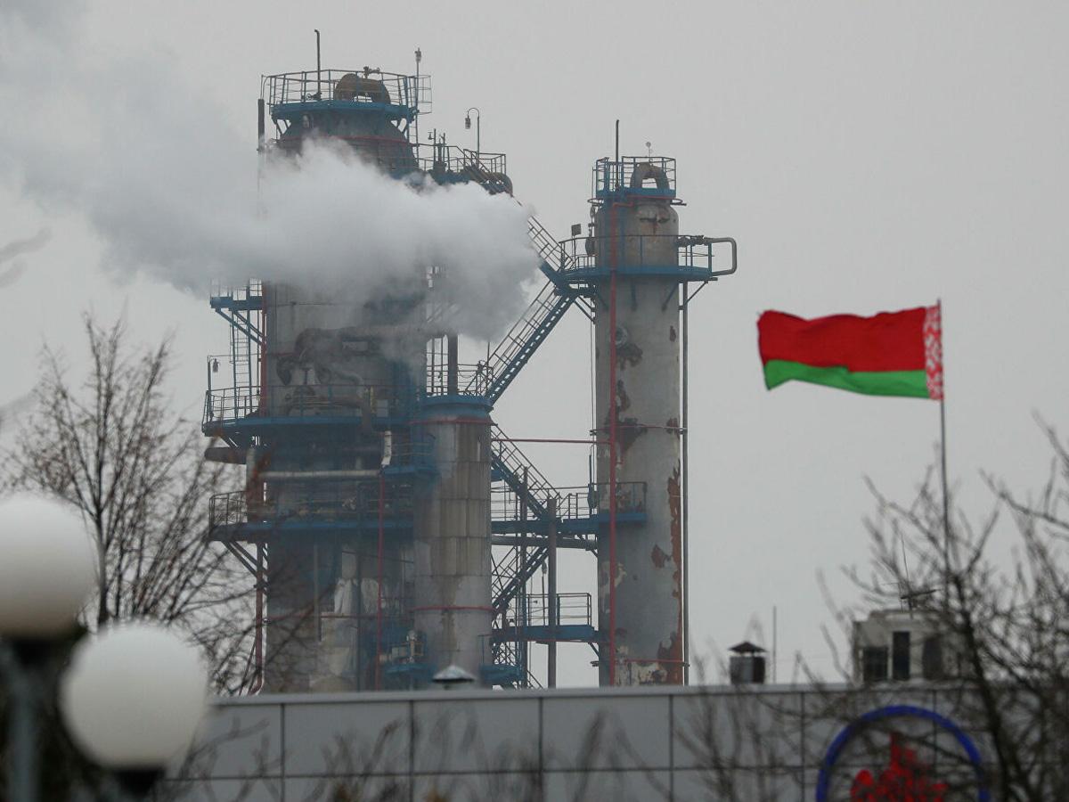 Россия может остановить поставку нефти Белоруссии из-за санкций США
