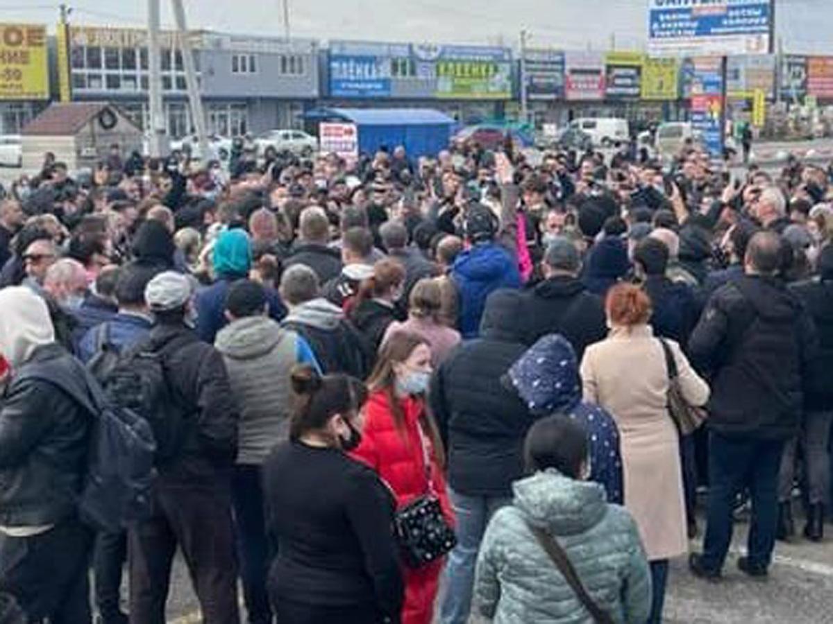 В Ростовской области продавцы вышли на митинг