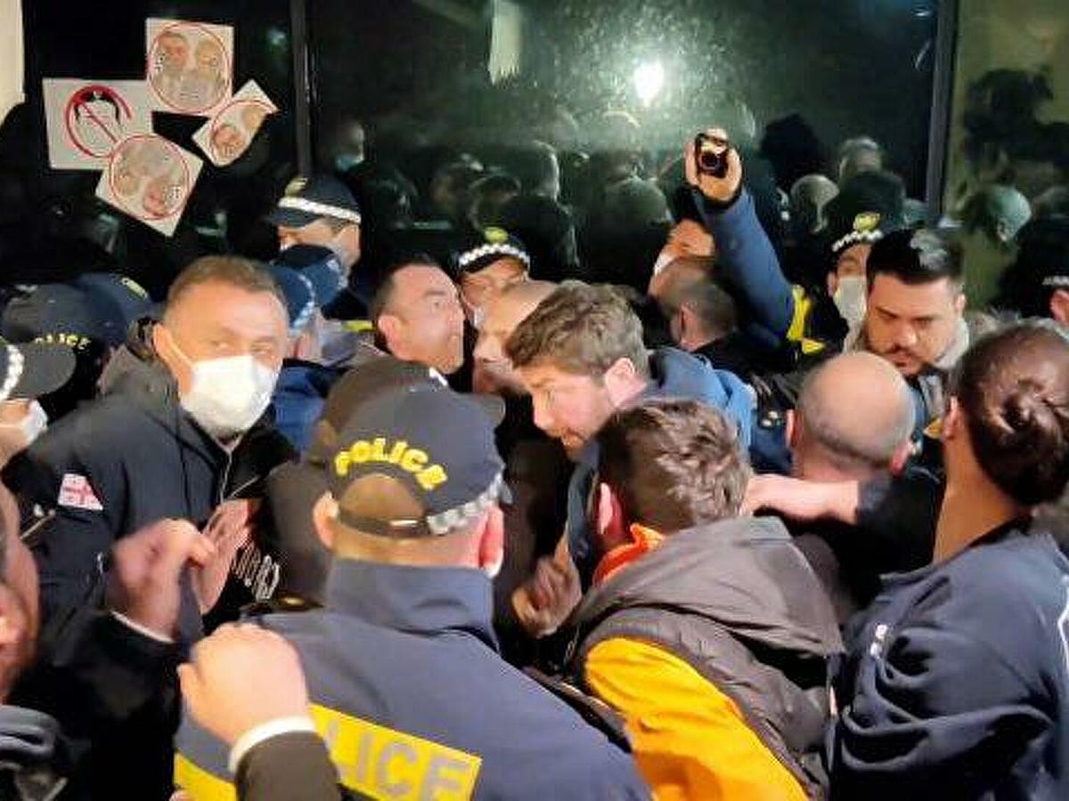 Захарова о протестах вТбилиси