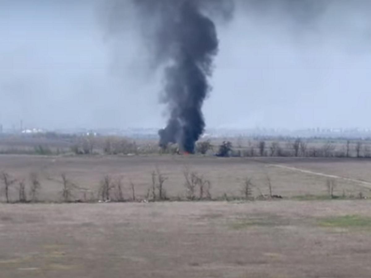 ВСУ по случайности уничтожили собственный блокпост с бронетехникой и военными в Донбассе