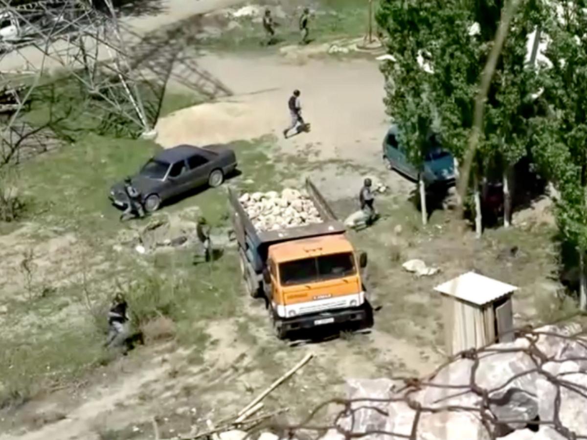 Погранслужба Киргизии обвинила Таджикистан с обстреле жилых домов (ВИДЕО)