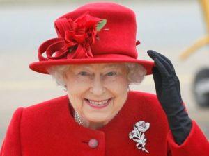 Фальшивое фото Елизаветы II на автобусе в США вызвало международный скандал
