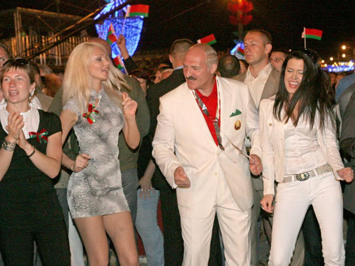 Лукашенко и женщины