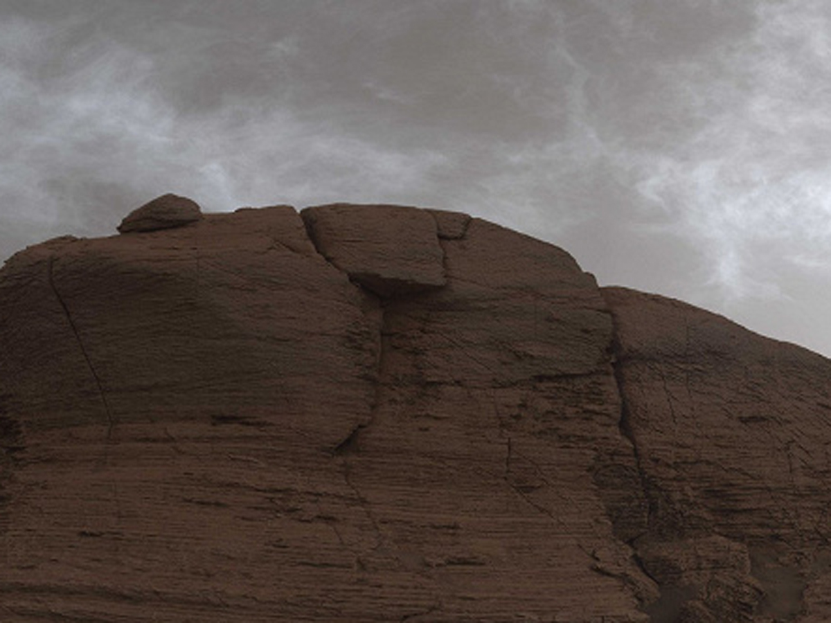 Марс Curiosity сияющие облака