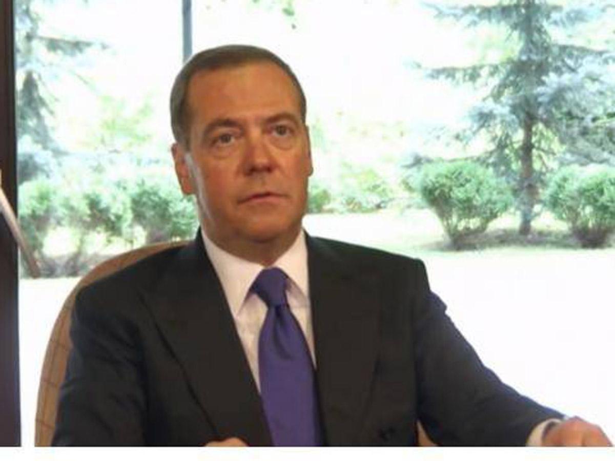 Медведев об обязательной вакцинации