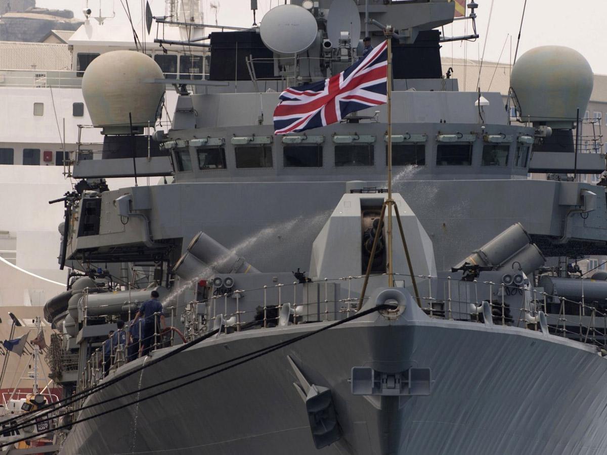 НАТО Британия корабль РФ