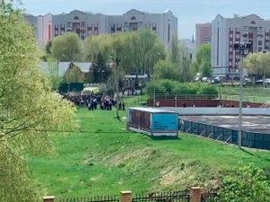 В Казани подросток устроил стрельбу в школе