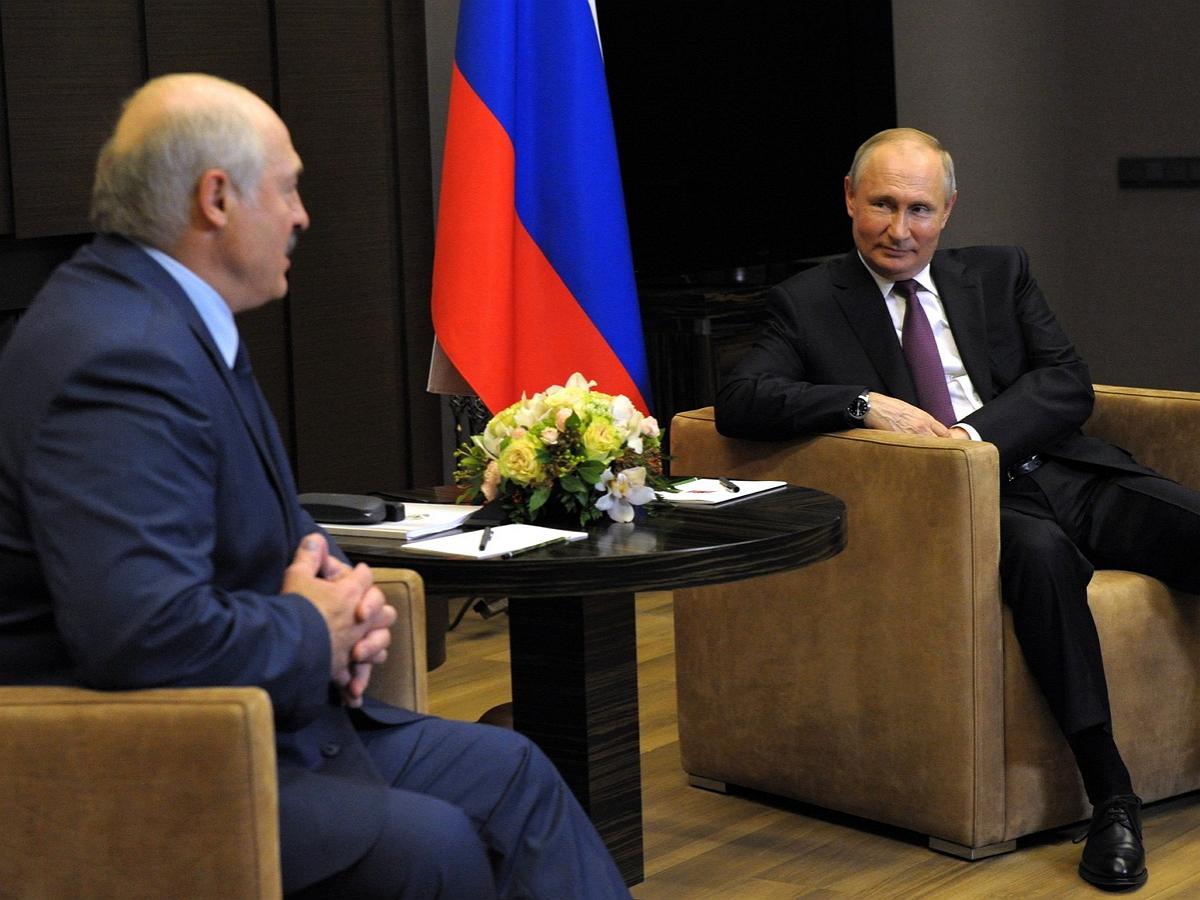 Эксперт по лжи заявил о сильном стрессе Лукашенко на встрече с Путиным