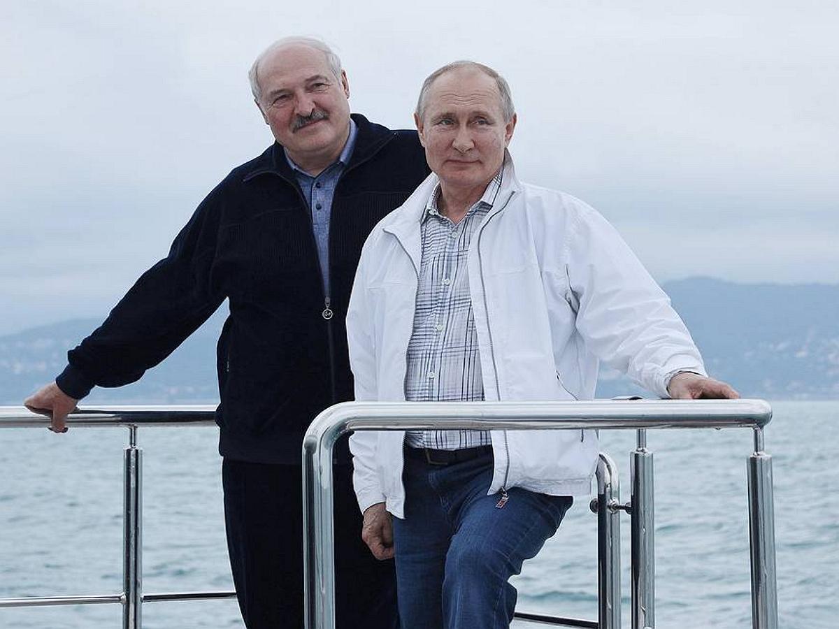 Политолог рассказал, как Путин одной фразой разрушил планы Запада в отношении Белоруссии