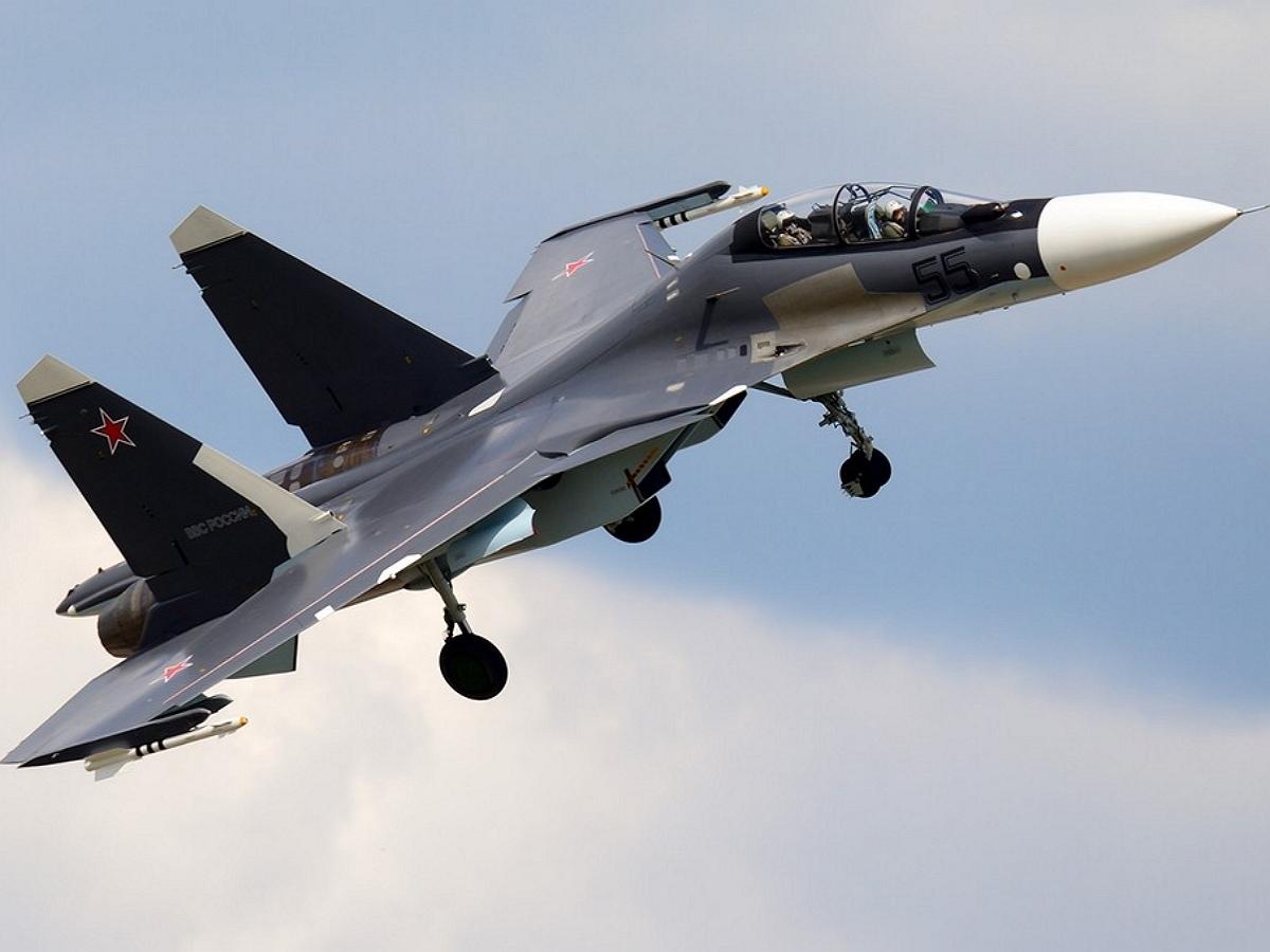 """""""Показал крылышками"""": всего один маневр российского Су-30 обратил в бегство три Mirage 2000 ВВС Франции у границ РФ"""