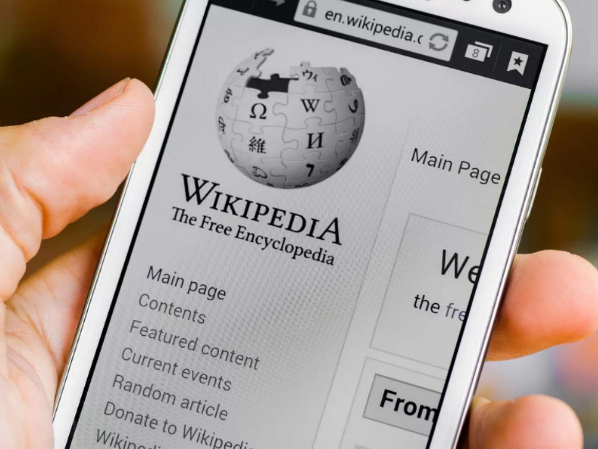 """""""Википедия"""" в России рискует получить статус иноагента"""