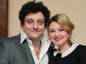 Журналистка избиение жена Полицеймако