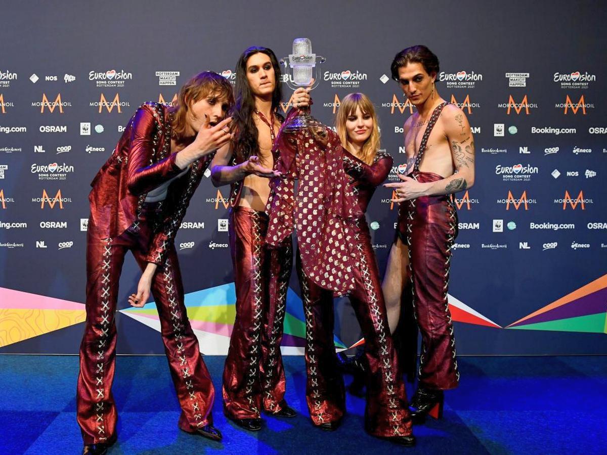 На участнике Евровидения 2021 лопнули штаны во время шоу