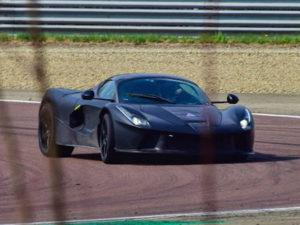 В Сети обсуждают Ferrari