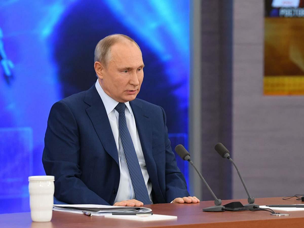 Политологи назвали две возможные причины передачи власти Путиным в 2024 году