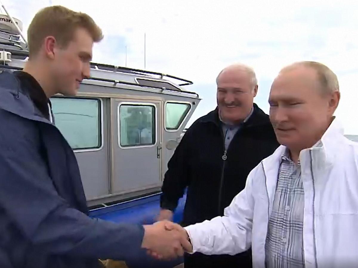 Политолог Сосновский назвал причины присутствия на встрече Путина с Лукашенко сына Николая