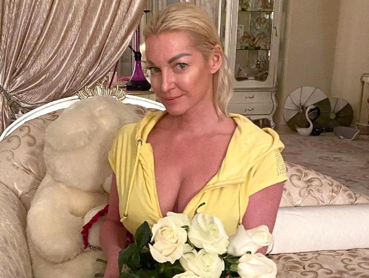Волочкова требует от Большого театра пенсию в 195 млн рублей