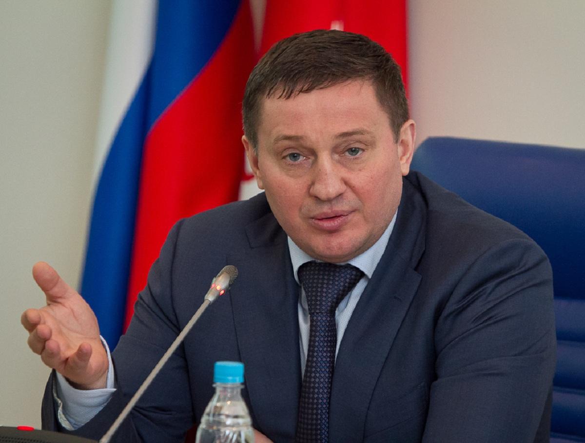 Фото «бесконтактной» вакцинации главы Волгоградского края удивило Сеть