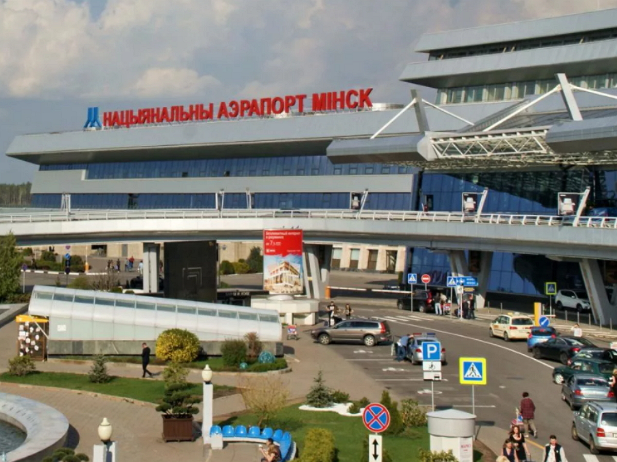 Киев пригрозил Белоруссии «немедленными санкциями» в случае полетов в Крым