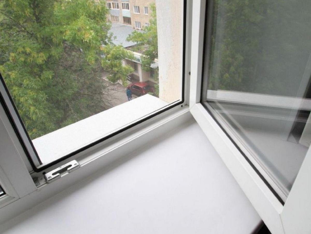 В Москве с 14-го этажа выпал двухлетний мальчик, живший на балконе