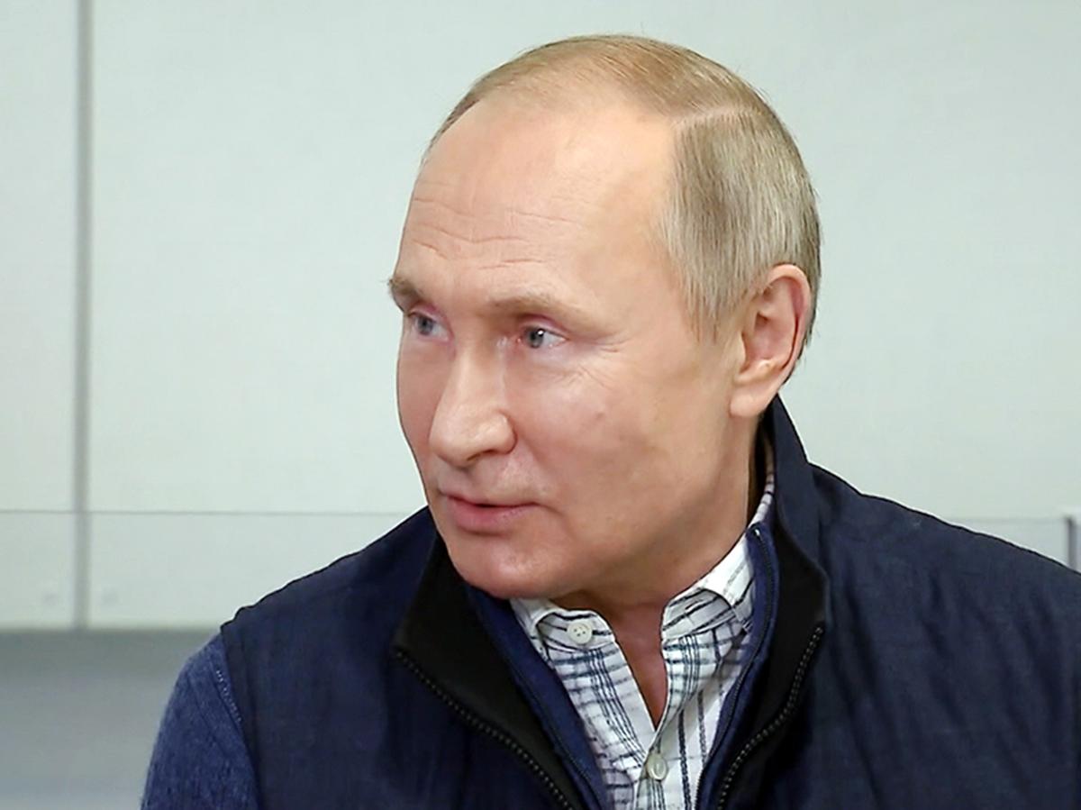 Путин напомнил про 7 минут, говоря о вступлении Украины в НАТО, и возмутился принятым Киевом законом о коренных народах (ВИДЕО)