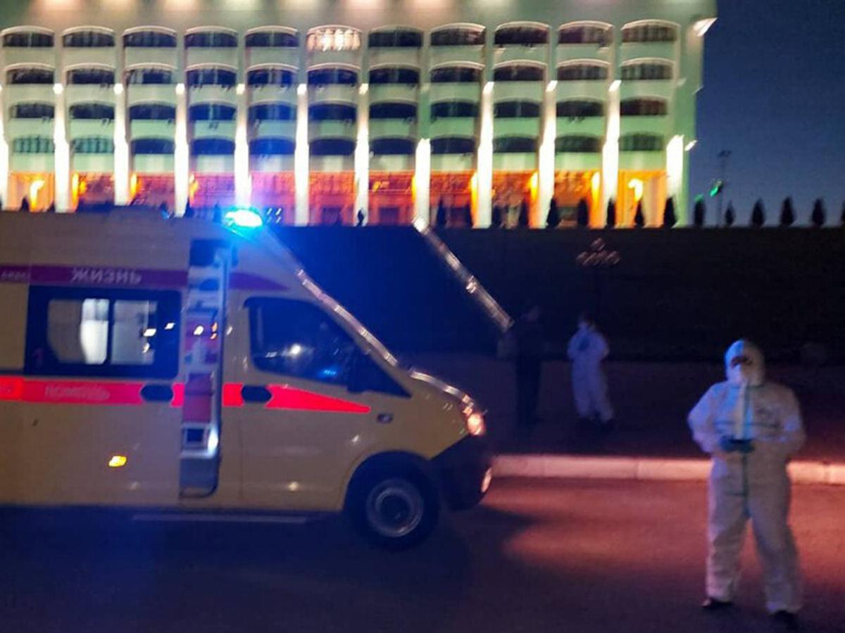 Скорая привезла больного к зданию правительства во Владимире